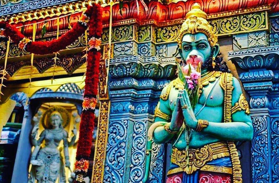 बुद्धिहीन तनु जानिके, सुमिरौं पवन-कुमार बल बुधि बिद्या देहु मोहिं, हरहु कलेस बिक...